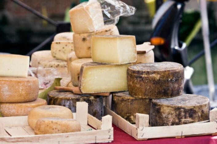 """""""Selv ikke franskmenn synes fransk ost lukter godt, og ifølge en av studiens forfattere er dette grunnen til at fransk parfyme ikke kommer med ostelukt. (Illustrasjonsfoto: iStockphoto)"""""""