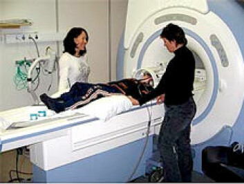 For første gang er hjernen til dyslektikere kartlagt med MRI-skanner mens de løste lese- og skriveoppgaver. (Illustrasjonsfoto: fMRI-gruppen)