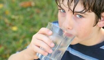 Drikkevann kan inneholde overraskende mye muggsopp. (Foto: Shutterstock)