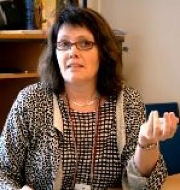 Ida Skaar forsker på mikroskopiske sopper. (Foto: Ingunn Haraldsen)