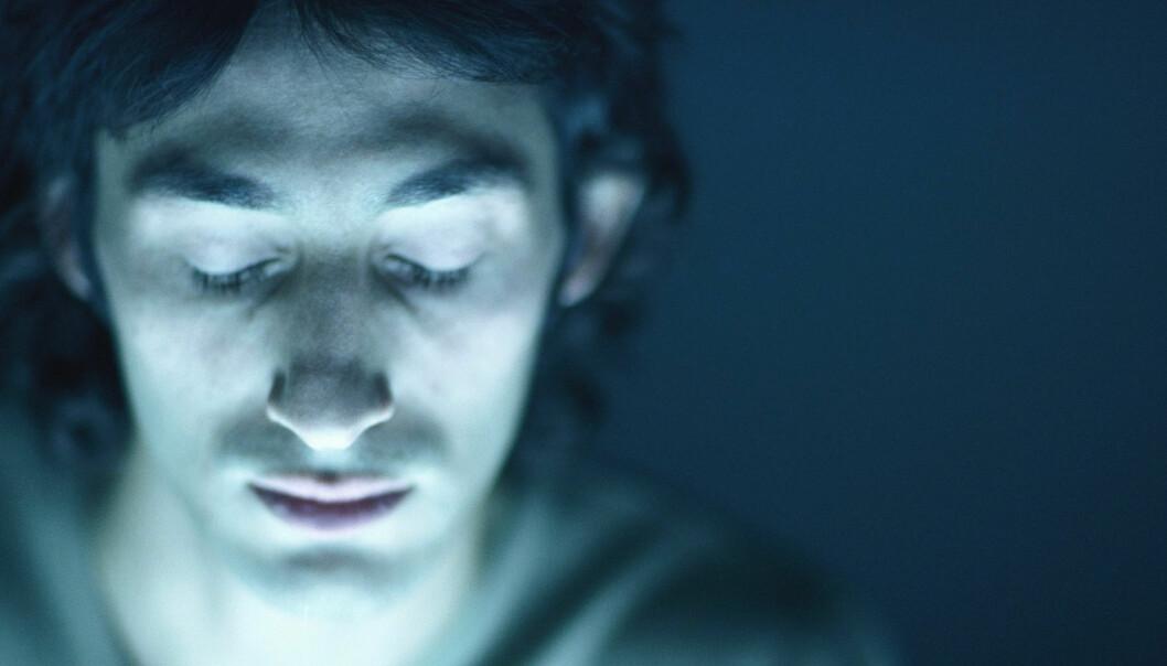 Flere pustestopp i løpet av en natt gjør at personer med søvnapné får tilført mindre oksygen til blodet, de våkner uopplagte og kan bli svært trøtte. Risikoen for hjerte- og karsykdom øker på grunn av redusert oksygentilførsel. Illustrasjonsfoto: Colourbox.no