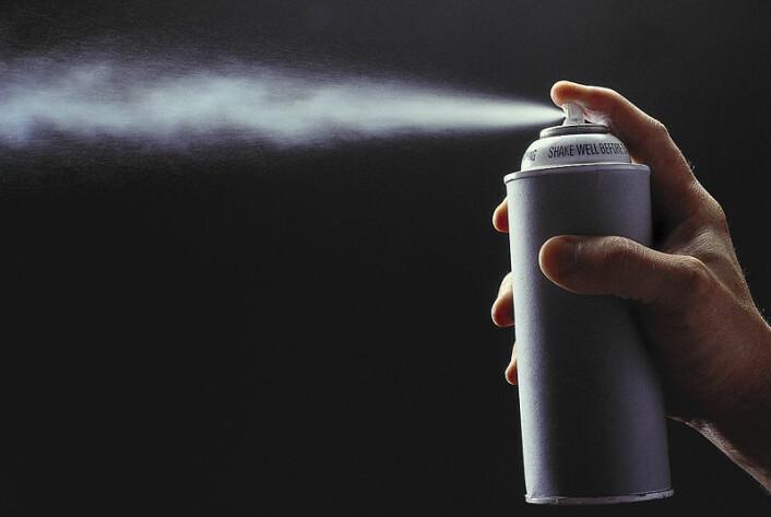 """""""Sprayen inneholder de to lokale bedøvelsesmidlene lidocaine og prilocaine og skal sprayes på penis fem minutter før samleie. (Illustrasjonsfoto: www.clipart.com)"""""""