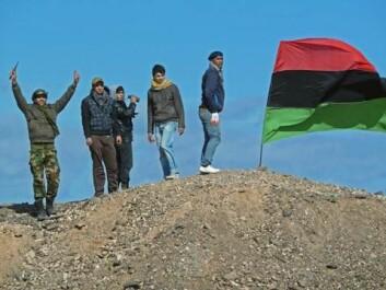 Opprørere utenfor den libyske byen Brega, mars 2011 (Foto: VOA - Phil Ittner/Wikimedia Creative Commons)