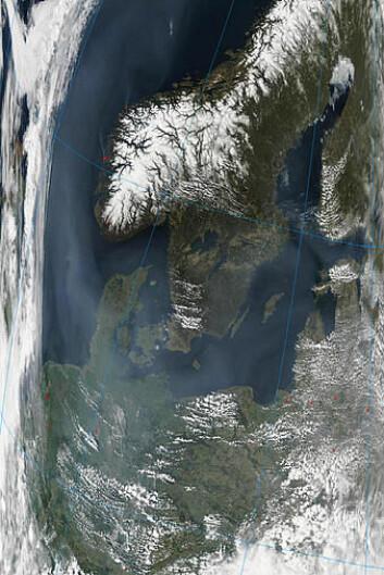 """""""Satelittbilde av aerosolene over Norge. (Foto: MODIS)Dette er bildeteksten"""""""