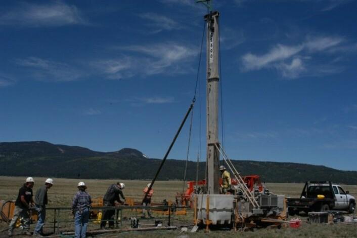 Boreriggen som ble brukt for sedimentprøvene. Foto: Fraser Goff.
