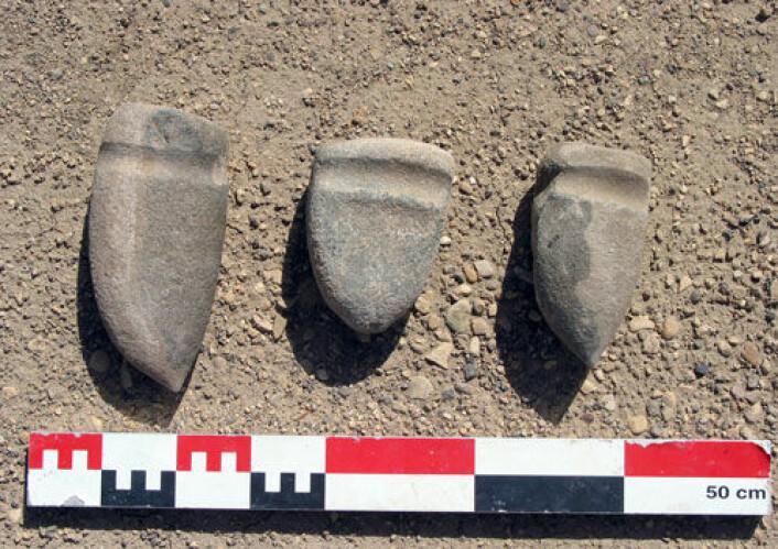 Steinhammere datert til tidlig bronsealder fra saltgruven Duzdagi i Aserbajdsjan. Der mener arkeologene at det har vært hentet ut salt fra fjellet i mer enn 6000 år. (Foto: Catherine Marro, CNRS)