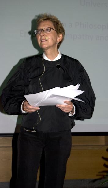"""""""Hva er et godt samfunn?Det spørsmålet stilte Christel Fricke for publikum. (Foto:HanneJakobsen)"""""""