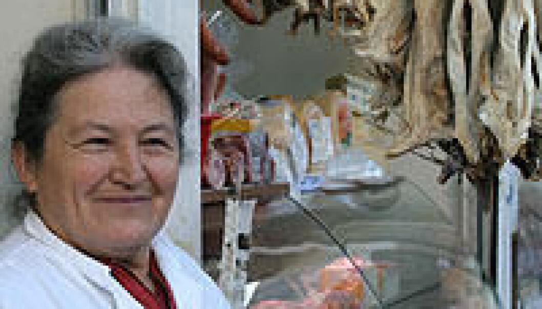 """""""I Kroatia selges tørrfisk i supermarkeder, og som her på tradisjonelle markedsplasser."""""""