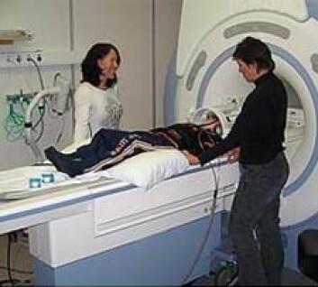 I underkant av 50 barn fikk hjernen scannet for å se om det var variasjon i hjerneaktiviteten. (Foto: fMRI-gruppen)