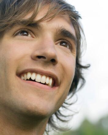 """""""Noen mennesker kan virke nesten kvalmende lykkelige. Forskerne bak den nye studien ønsker å spre informasjon om hvordan alle kan gjøre lykkelige valg i livet. (Foto: Colourbox.com)"""""""