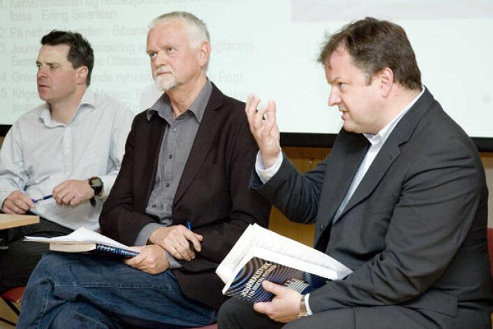 """""""– Lokalavisene har på ingen måte lykkes med sin satsing, sier stipendiat Arne H. Krumsvik (til høyre). Professor Rune Ottosen i midten, Espen Egil Hansen, redaktør i VG.no til venstre."""""""
