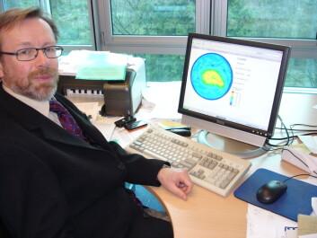 """""""- I klimadebatten vil noen innvende at vanndamp er den aller viktigste klimagassen. Men vanndamp er det svært lite vi kan få gjort noe med. CO2 og andre menneskeskapte klimagasser, derimot, kan vi begrense utslippene av, sier Senior Scientific Officer i WMO, Geir Braathen. (Foto: Espen Eggen)"""""""