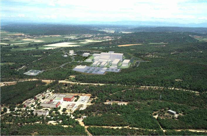 """""""Illustrasjon av hvordan ITER-anlegget vil se ut når det står ferdig på byggetomten i Sør-Frankrike. ITER er et av verdens dyreste forskningsprosjekter, med et samlet budsjett på rundt ti milliarder dollar. (Foto/illustrasjon:ITER)"""""""