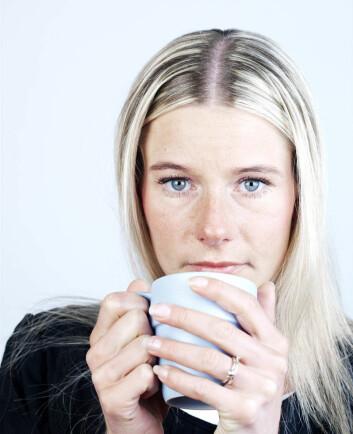 """""""Når kjæresten din ser på deg med et hengivent blikk over kaffekoppen, kan forklaringen dessverre være banal. - Fysisk varme gir også varmere følelser, i følge forskerne bak den nye studien. (Illustrasjonsfoto:Colourbox.com)"""""""
