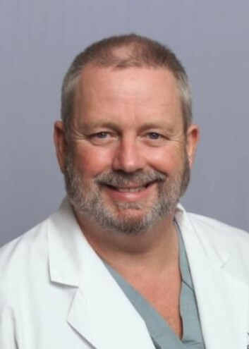 Dr. Peter Roland, leder av panelet som utarbeidet retningslinjer for fjerning av ørevoks. (Foto: UT Southwestern Medical Center)