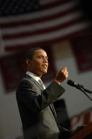 Barack Obama må lytte til bedre økonomer enn ham selv, mener BI-professor Arne Jon Isachsen.