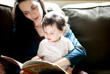 """""""Både hygge og nytte: Lesestunder øker blant annet sjansene for at barnet blir glad i å lese senere i livet."""""""
