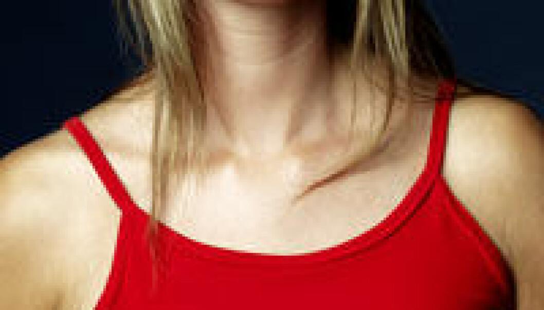 Kvinner i rødt tenner menn