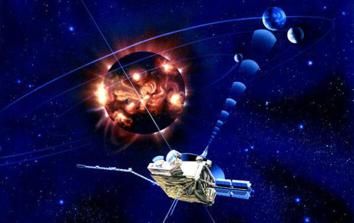 """""""Illustrasjonen viser romsonden Ulysses i ferd med å runde solens nordpol. Siden 1990 har Ulysses tilbakelagt ti milliarder kilometer, og passert solen tre ganger. Ulysses er nå inne i sine siste dager med aktivitet. Etter nesten 20 års innsats er det ventet at instrumentene ombord vil slutte å virke i løpet av noen måneder. (Foto: NASA/JPL-Caltech)"""""""