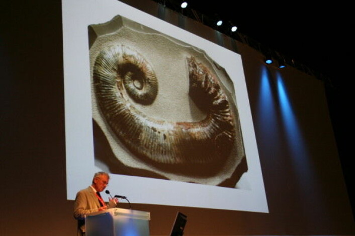 """""""Et av torsdagens mest profilerte foredrag ble holdt av den kjente geologen, biologen og forskningsskribenten Richard A. Fortey."""""""