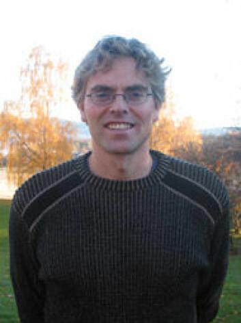 """""""Einar Kjelsås ved NTNU har skrevet doktoravhandlingen «Fysisk aktivitet og spiseforstyrrelser i et ikke-klinisk utvalg»."""""""