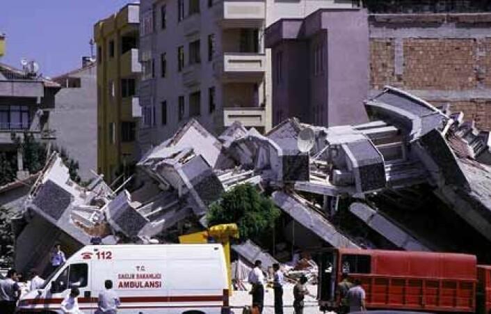 """""""Fra jordskjelvet i Tyrkia august 1999, der opptil 40 000 mennesker omkom."""""""