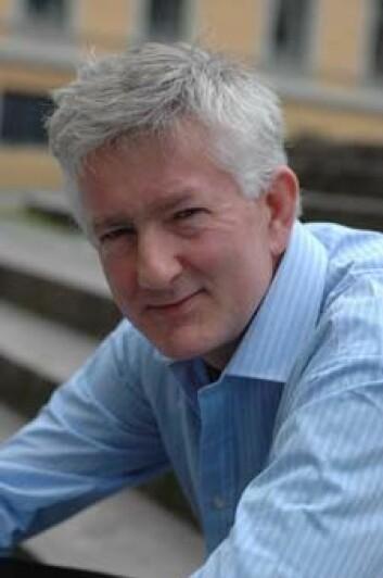 Dag Elgesem, professor i IKT og samfunn ved Institutt for informasjons- og medievitskap, meiner at den kollektive modellen til nettleksikonet Wikipedia fungerer. (Foto: Åse Johanne Roti Dahl)