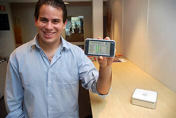 Juan Manuel Cruz fra Spania har løftet MyHealthService til et nytt nivå. Lomme-PC-en kopler seg trådløst opp til maskinen som pasientene har hjemme. (Foto: Jan Fredrik Frantzen, Nasjonalt senter for telemedisin)