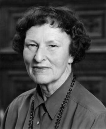 """""""Hun var den første kvinnelige professoren i teologi ved det pavelige universitetet i Roma. Kari Elisabeth Børresen er en internasjonalt anerkjent pioner i religionsvitenskapelig kjønnsforskning. (Foto: Eva Brænd)"""""""