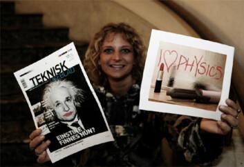 """"""" Forsker Camilla Schreiner viser frem en forside fra Teknisk ukeblad, hvor Einstein har fått øyenskygge og lebestift. - Et humoristisk forsøk på å vise at fysikk kan være feminint. Satt på spissen er dette veien å gå! sier hun. Foto: Nina Strand."""""""