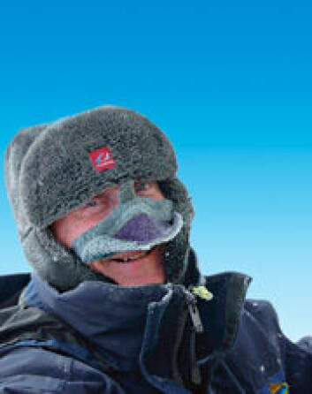 """""""Einar Johansen fra Norsk Polarinstitutt på Polarår-ekspedisjon, 3604 moh., Dronning Maud Land."""""""