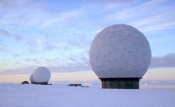 """""""Antennene til SvalSat på Platåfjellet på Svalbard. Her lastes data ned fra Hinode og flere andre satellitter. (Foto: KSAT) """""""