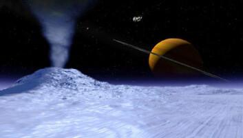 """""""Is og geysirer - kanskje ser det slik ut på Titans sjette største måne Enceladus. Over og til venstre for Saturn svever romsonden Cassini og Saturns største måne, Titan. Bildet er en illustrasjon."""""""