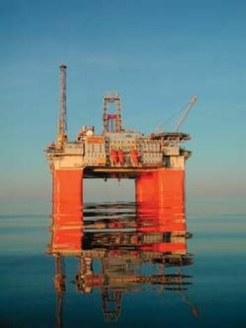"""""""Snorre B-plattformen og to andre norske offshore-installasjoner er utstyrt med kraftverk som slipper ut langt mindre CO2 og NOx enn tradisjonelle kraftanlegg på plattformdekk. Foto: Hydro"""""""