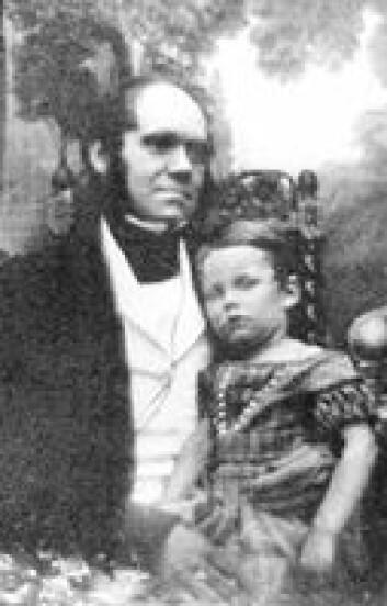 """""""Darwin levde tilbaketrukket med sin familie. Her med sønnen William."""""""