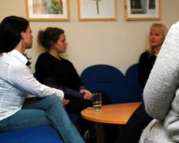 """""""I samtalegruppene skal terapeuten bevisstgjøre deltakerne på egne ressurser, og ressursene til personer de har rundt seg. (Illustrasjonsfoto: Åshild Nylund)"""""""