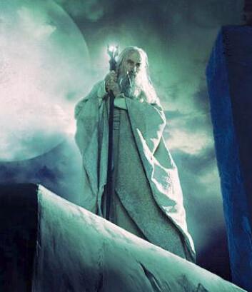"""""""Sarumann står klar til å utløse skredet som gjør at ringens brorskap isteden må reise gjennom Moria."""""""
