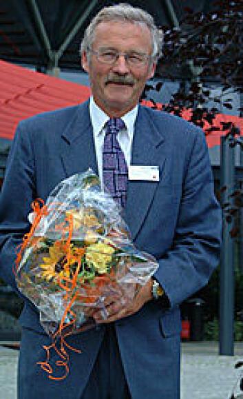 """""""Professor Alf O. Brubakk ved NTNU fikk i 2002 Statoils forskarpris ved for mangeårig innsats innan dykketeknologi. Foto: Statoil/Erik Hårberg. """""""