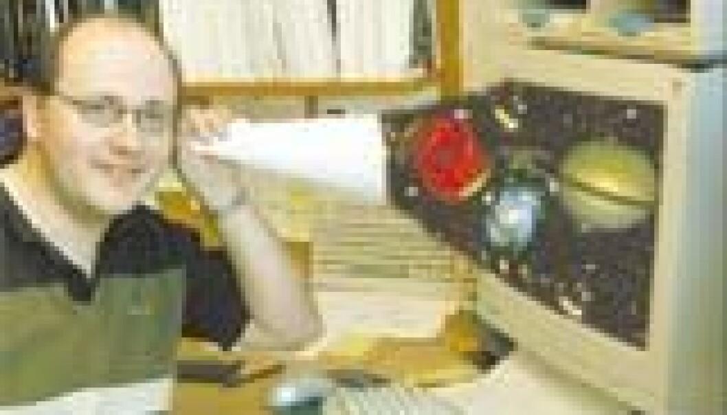 """""""NTNU-stipendiat Morten Olavsbråtens hobby er å lytte til verdensrommet. Han er 100 prosent sikker på at de finnes liv der. Foto/bildemontasje: Even Gran"""""""
