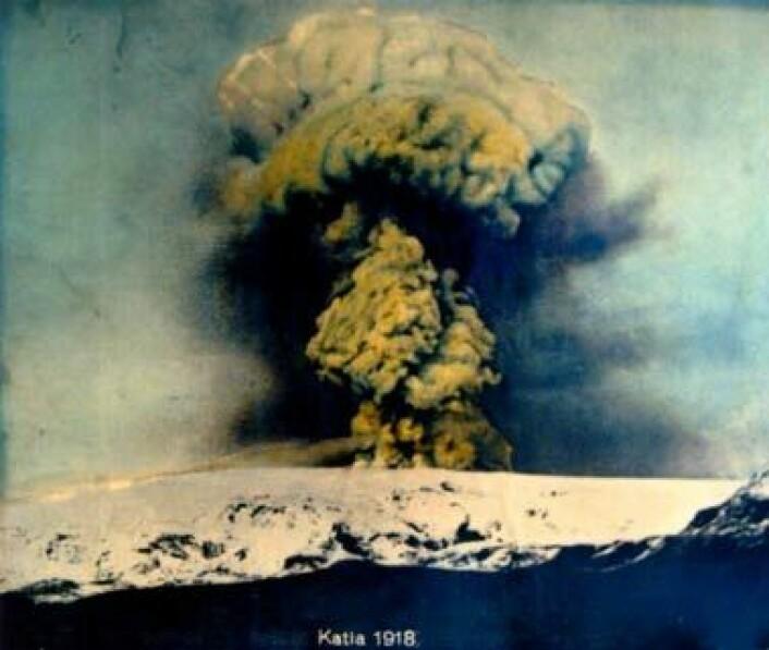 Katla med utbrot under Mýrdalsjökull i 1918. (Kjelde: visindavefur.is)