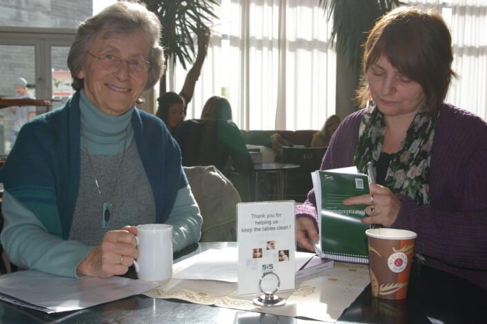 Ingerid Bø disputerte i fjor 74 år gammel. Temaet for doktoravhandlingen hennes er ulikestilling. Her forteller hun hvordan mangel på likestilling kan bli en risikofaktor i familien. (Foto: Bjørnar Kjensli)