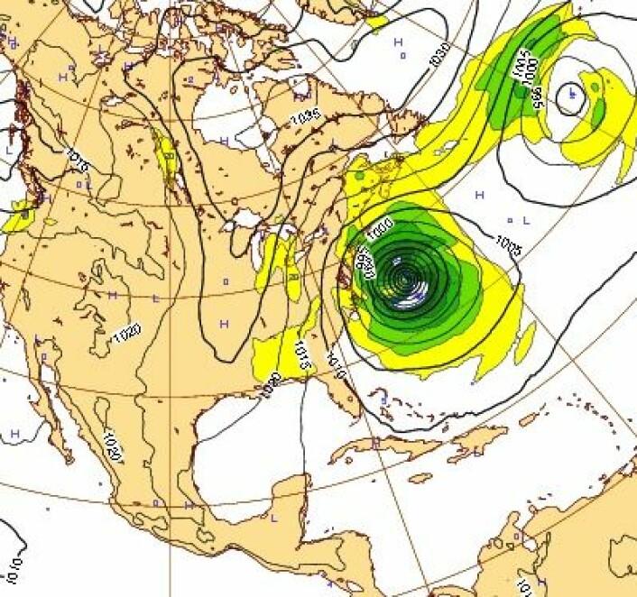 """Her er prognosen for """"Sandy"""" mandag 29. oktober (fullmåne!). Dagen etter går orkanen på land nær New York. (Foto: (ECMWF))"""