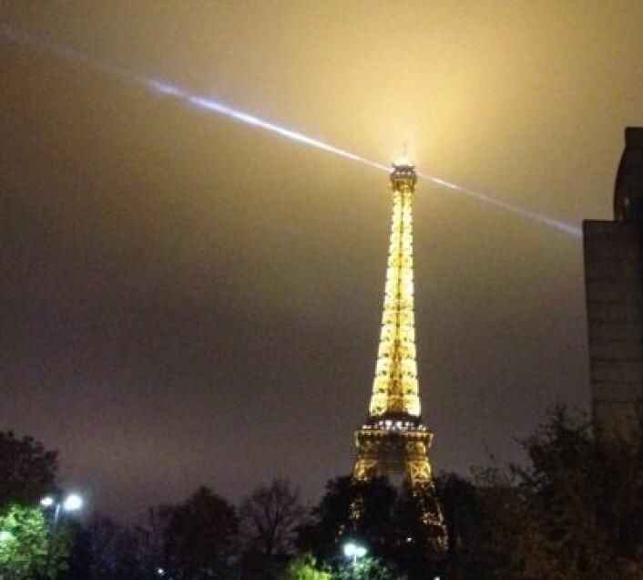 Klassisk høyteknologi observert en høstkveld i Paris. (Foto: T. Wahl)