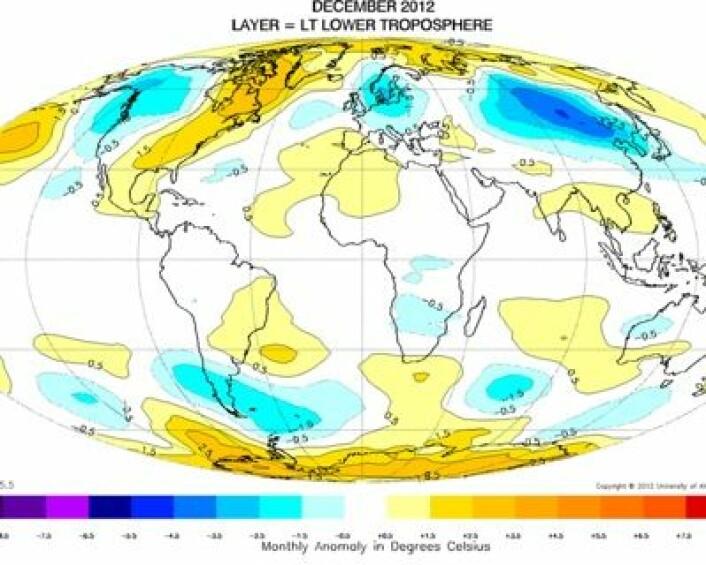 Desember 2012 målt fra satellitt: Varmt i nedre troposfære ved begge polene. (Foto: (UAH))