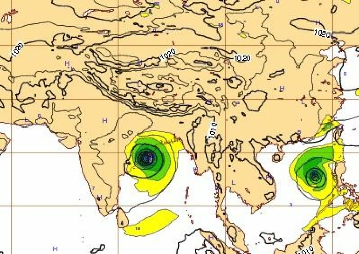 """Værsituasjonen lørdag 12. oktober kl 12 UTC. Syklonen """"Phailin"""" treffer land akkurat der modellen varslet. (Foto: (ECMWF))"""
