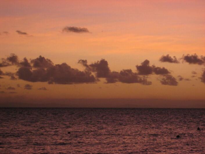 Solnedgang over Barriererevet. Foto: Trond Amundsen.