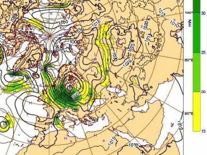 """Værkartet fredag kl 12:00 UTC. Stormen """"Bodil"""" presser sjøvannet fra Kattegat inn mot Sjælland. (Foto: (ECMWF))"""
