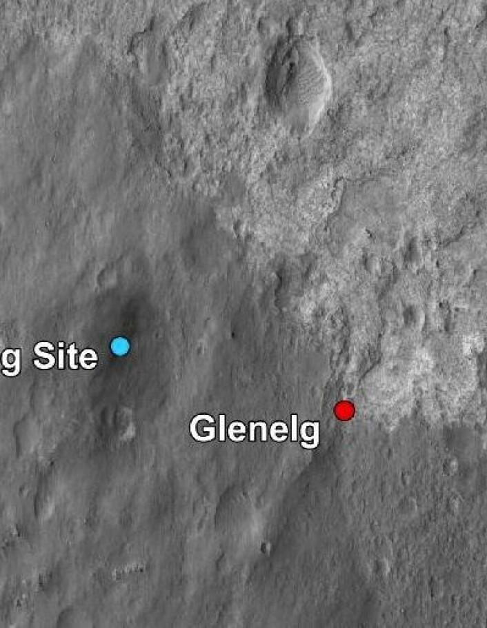 Første kjøretur for Curiosity blir til punktet Glenelg. Interessant geologi der. (Foto: (NASA JPL/Caltech))
