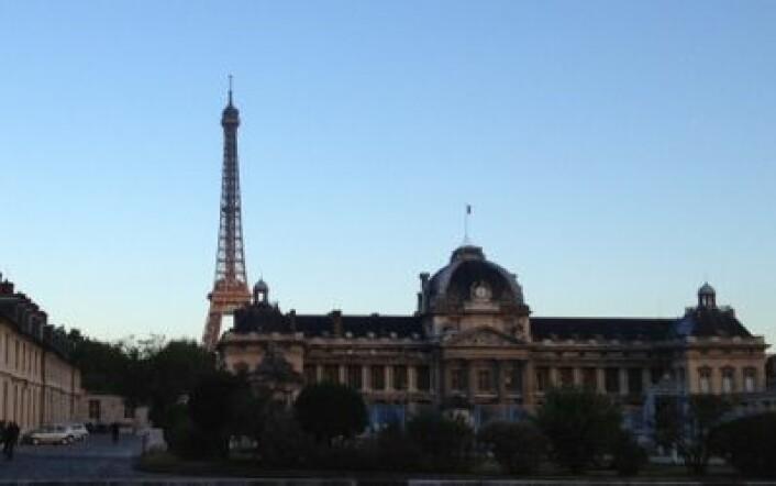 Morgenstemning i Paris. ESAs hovedkvarter er rett rundt neste gatehjørne. (Foto: T. Wahl)