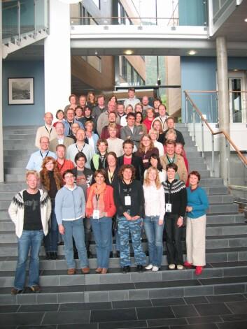 Deltakarane på stormøtet på Leikanger i 2005. (Foto: Roar W. Vangsnes)